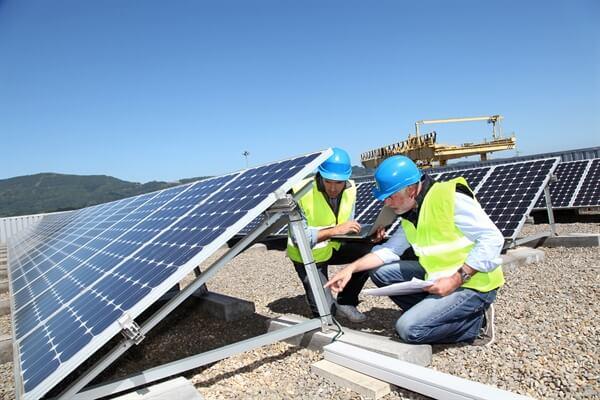 Vận hành, bảo trì bảo dưỡng (O&M) hệ thống điện năng lượng mặt trời thế nào là đúng?