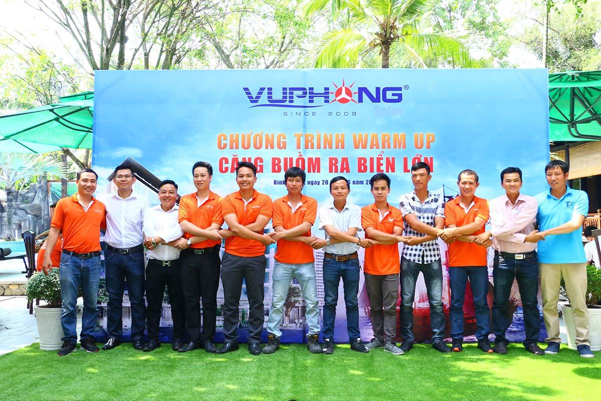 nhin-lai-chuong-trinh-warm-up-cang-buom-ra-bien-lon2