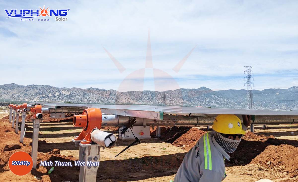 adani-solar-power-plant-ninh-thuan-province-1
