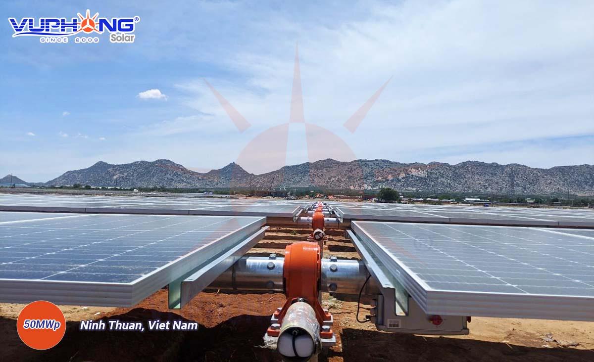 adani-solar-power-plant-ninh-thuan-province-4.jpg
