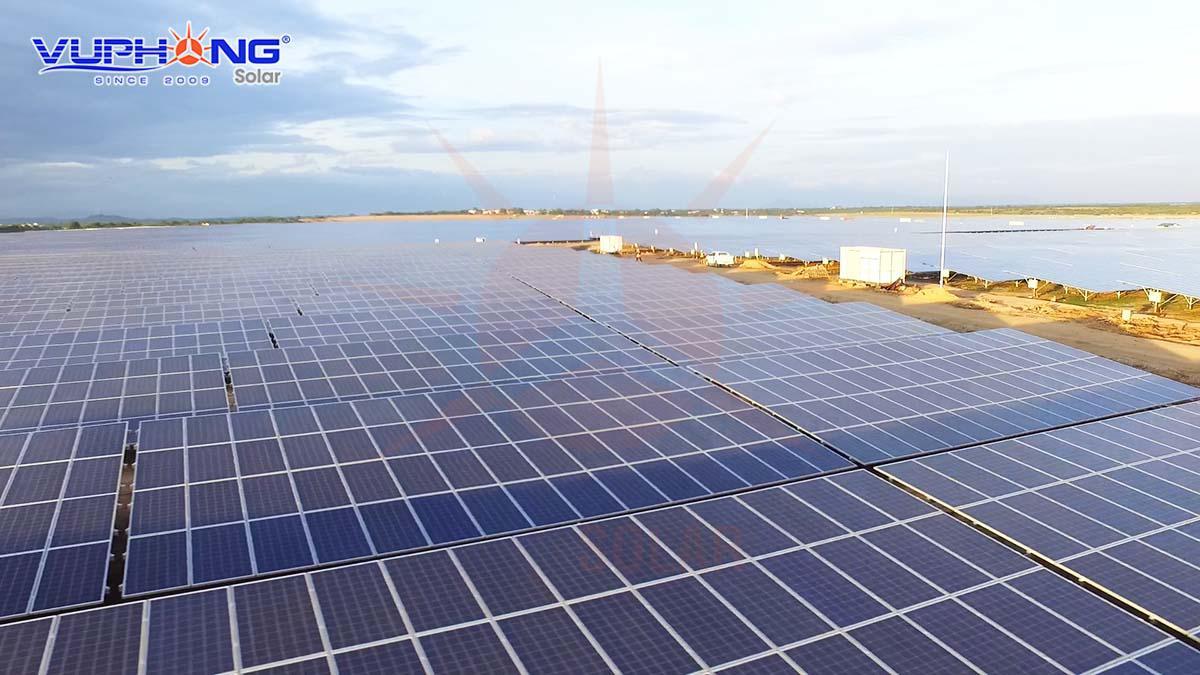 Năng lượng tái tạo như điện mặt trời, điện gió… đang được ưu tiên phát triển