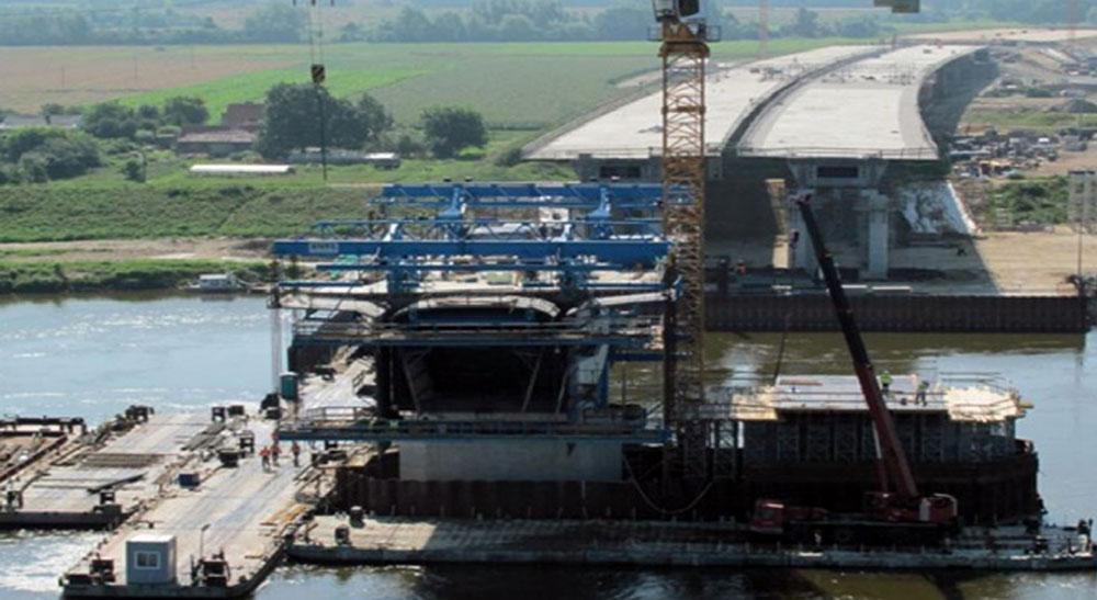 Xây dựng cầu năm 2010